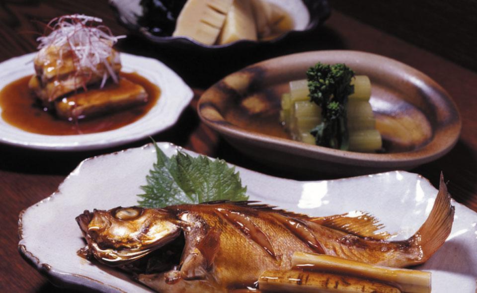 惣菜、魚の煮付けや各種ご用意できます