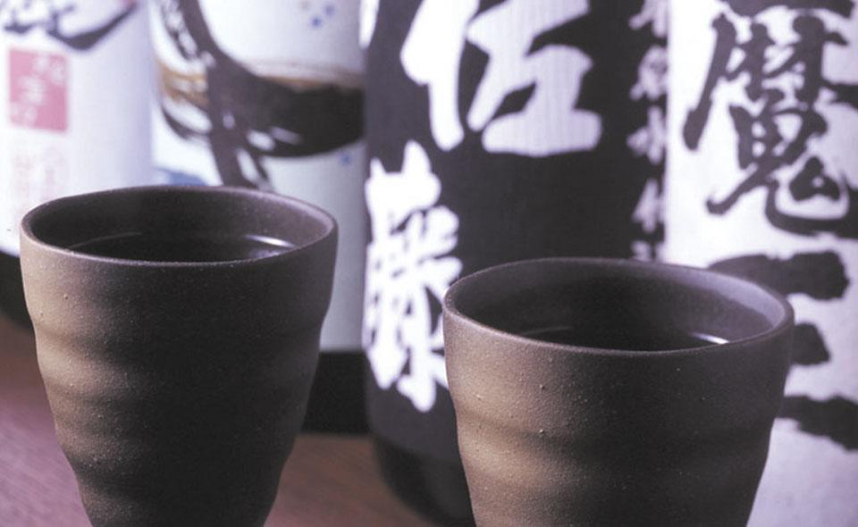 各地域のおいしい焼酎日本酒取り揃えております