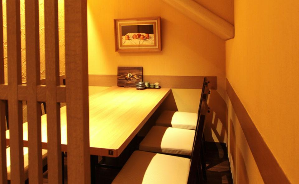 1階奥には、ゆっくりくつろげる個室もご用意。