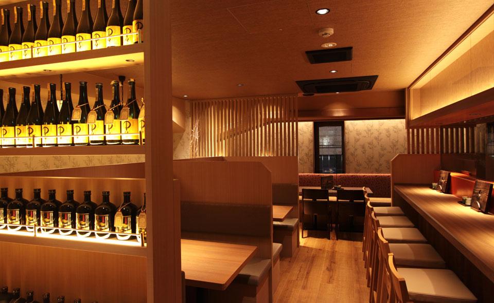 2階は気軽に東北料理とお酒を楽しめる居酒屋空間です。
